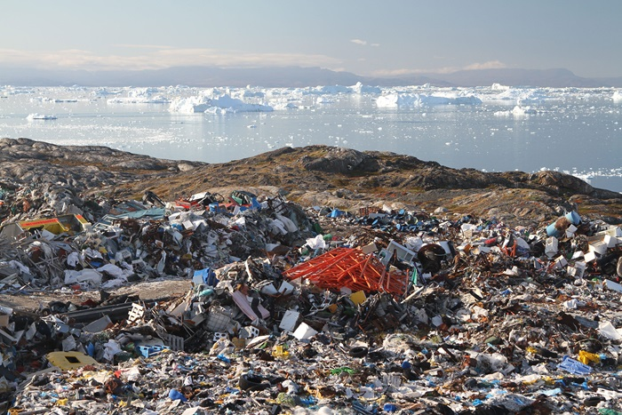 Waste from the dump site in Ilulissat, Greenland. Photo: Arctic Technology Centre, DTU