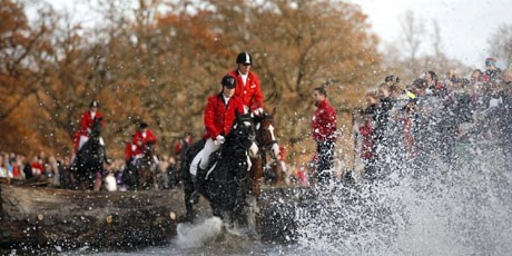 The Hubertus Hunt is held annually on the first Sunday in November in the Deer Park (Dyrehaven)